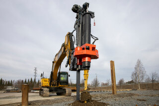INTRODUCING MOVAX KB-70S PILING DRILL