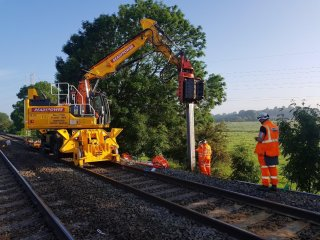 MOVAX SG-50V ON RAILS IN UK